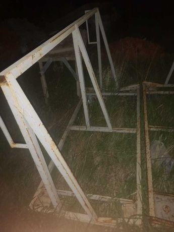 Продам Пирамиды для перевозки стекла, зеркал,2м.,3м.