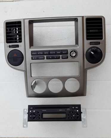 Consola centrala /CD player Nissan X trail T30