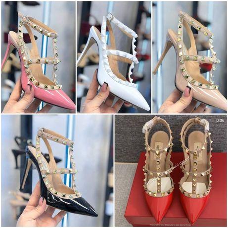 Pantofi valentino rockstud piele.