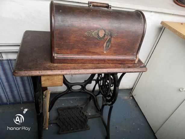 Masina de cusut Singer vintage