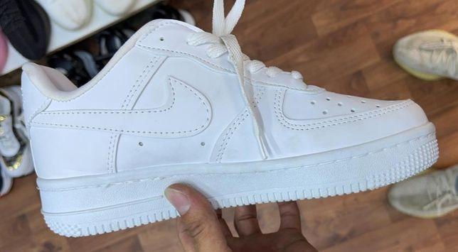 Nike Air Force 1 '07 Белые Низкие