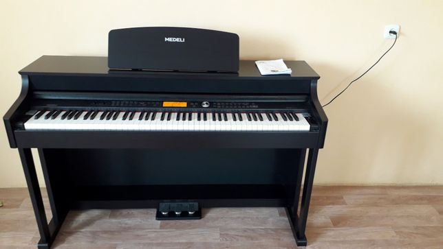 продам цифровое пианино компании Medeli DP 388