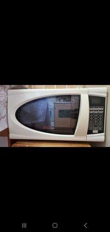 Микроволновая печь, б/у, продам срочно,  самовывоз, писать в ватсап