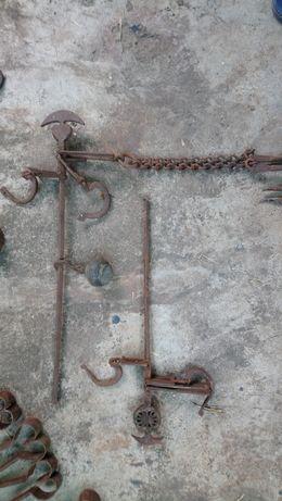 Продавам стари метални предмети , сечива