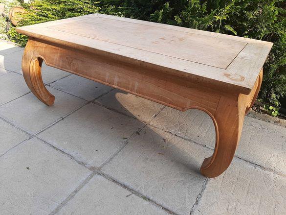 Дървена  маса...