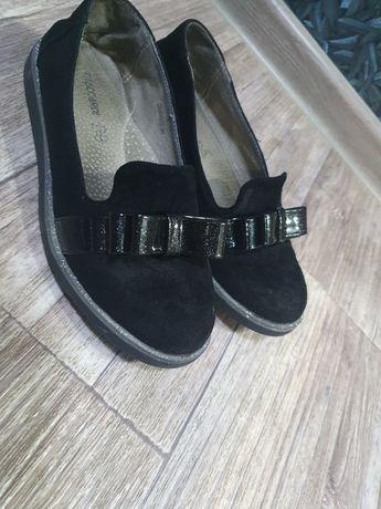 Продам натуральные туфли