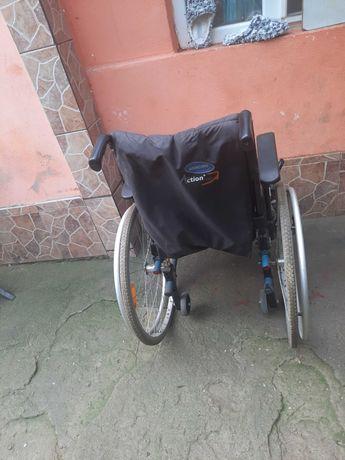Vand carucior persoane dizabile