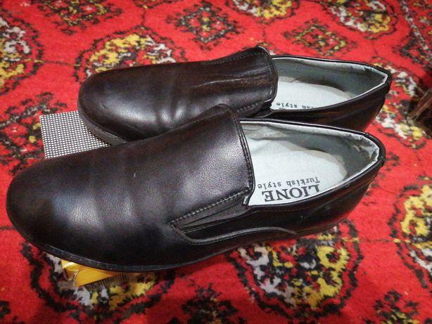 Туфли новые для мальчиков