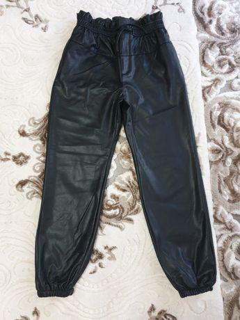 Pantaloni imitație piele (Zara Kids)