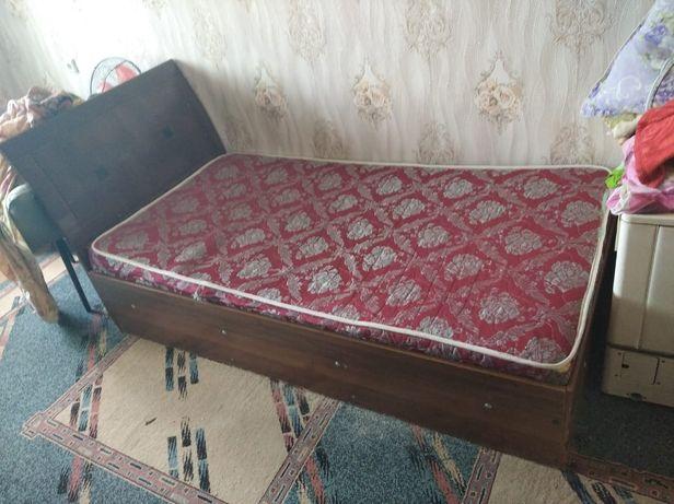Продам мебель кровать стенка полас