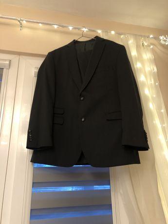 Мъжки костюм,бизнес стил, 52 размер