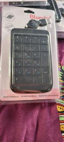 Tastatura numerica cu fir retractabil