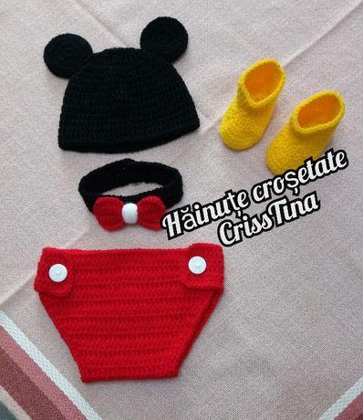 Costumas crosetat manual sedinta foto botez Mickey Mouse