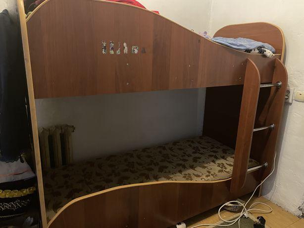 Двухярусный кровать размер 190/90