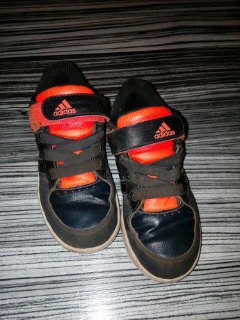 Маратонки Adidas 30 размер