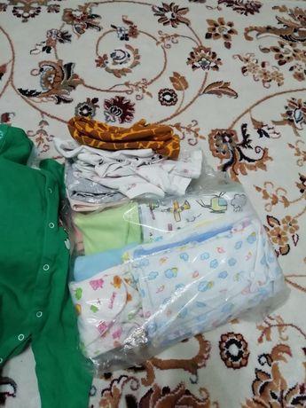 Отдам даром детские одежды