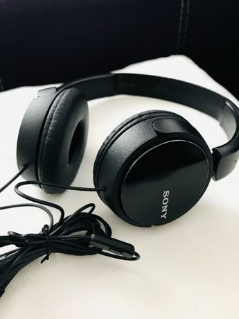 Vand casti Sony (on-ear) in stare foarte buna