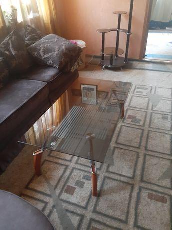 Стеклянный стол в отл .состояние 22000 т