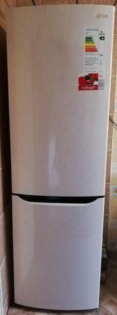 Продаётся холодильник марки LG