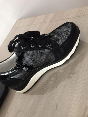 Ботиночки для девочек новые