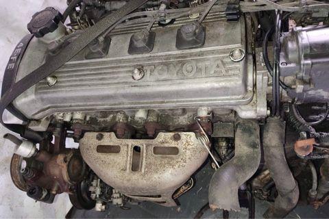 двигатель привозной 1.3см обьем на Тойота Королла в навесе