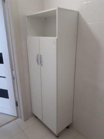 Шкаф для ванной в отличном состоянии