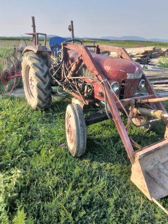 Tractor 35 de cai