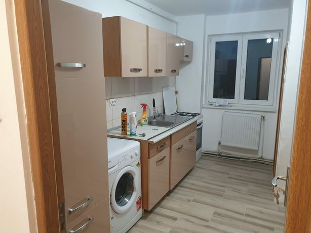 De Vanzare Apartament 4 Camere Cetate