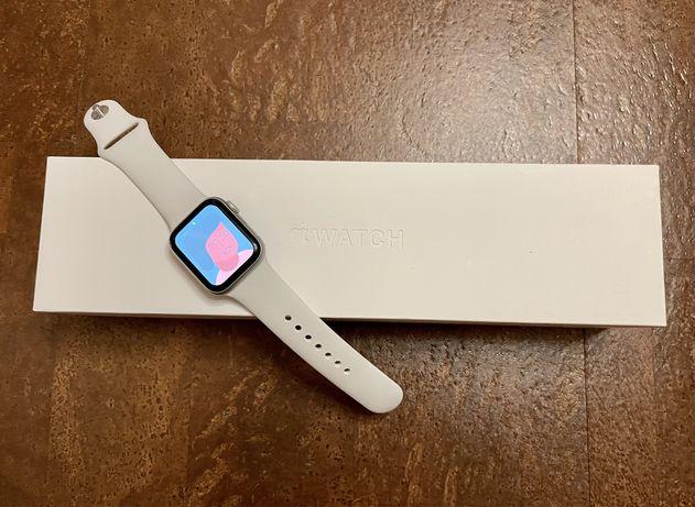 Apple Watch 5, 40 mm