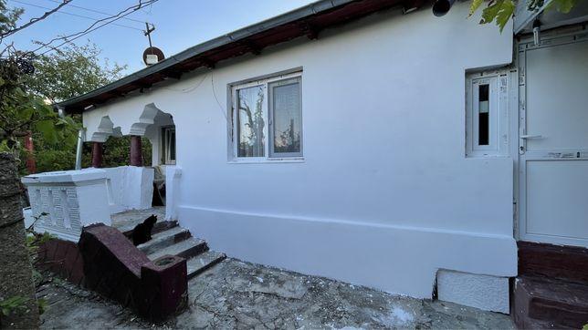 Casa batraneasca cu 800 mp curte Urlati Prahova