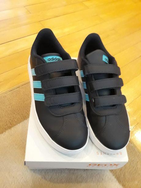 Vand pantofi sport NOI... ADIDAS marimea 34... 22.2 cm