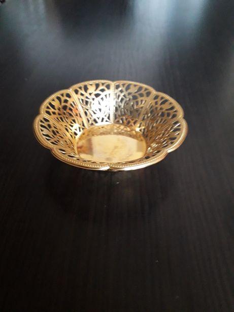 Bombonieră placată cu aur