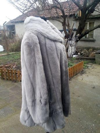 Елегантно дамско палто от еко кожа