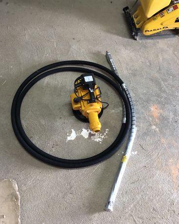 Inchiriez vibrator beton