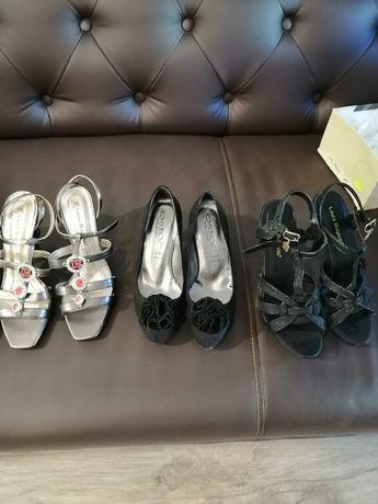 200de perechi de pantofi diferite mărimi diferite modele