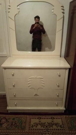 Камод с зеркалам