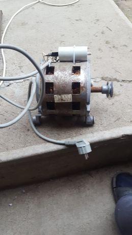 Motor pe curent