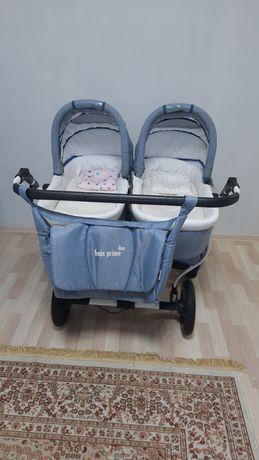 Срочно продам коляску для двойни ( двойняшек, близнецов)