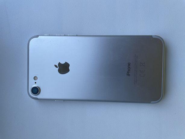 Продам. Iphone 7 в хорошем состояний обмен не интересует