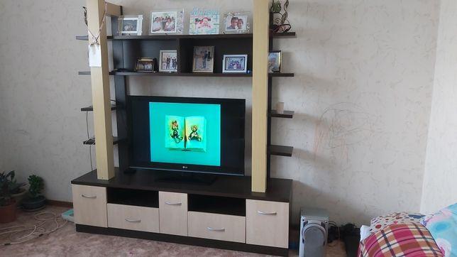 Подставка под телевизор. Стенка для гостиной