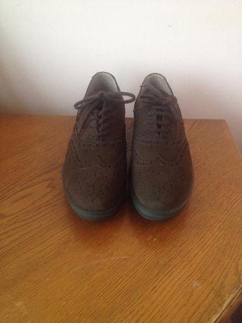 Pantofi,Pollini,marime 40,noi!