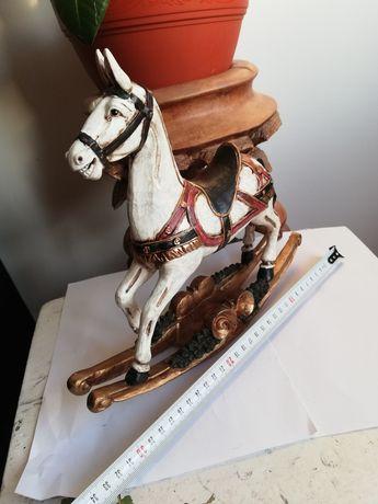 Statueta din rasina! Cal vechi si expresiv