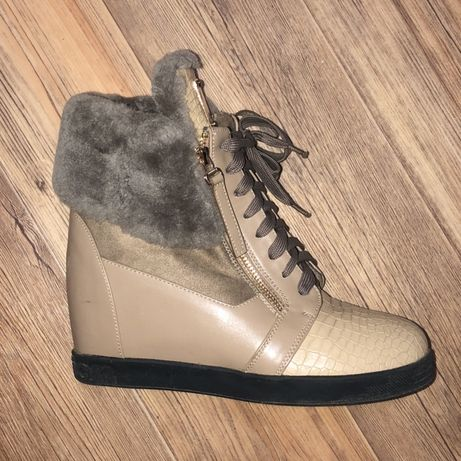 Зимние ботинки-сникерсы