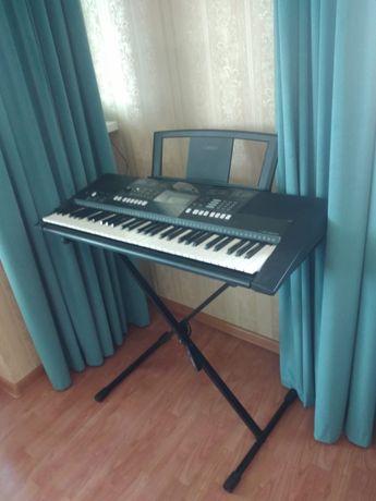 Продам синтезатор ямаха за 100 000 тг