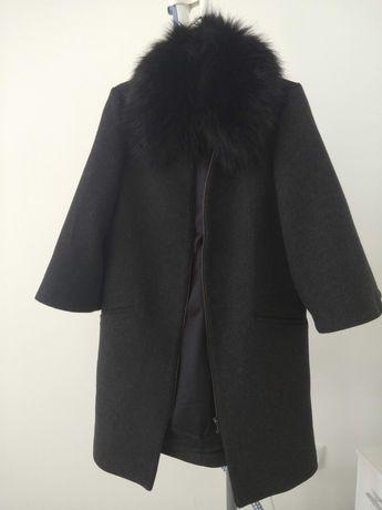 Продам пальто осенний