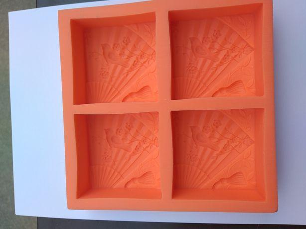 Matrite ( forme) silicon ...săpunuri...handmade...