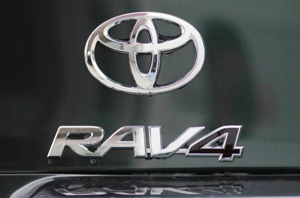 Запчасти РАВ 4 RAV4 TOYOTA по кузову НА все года кузовщина...