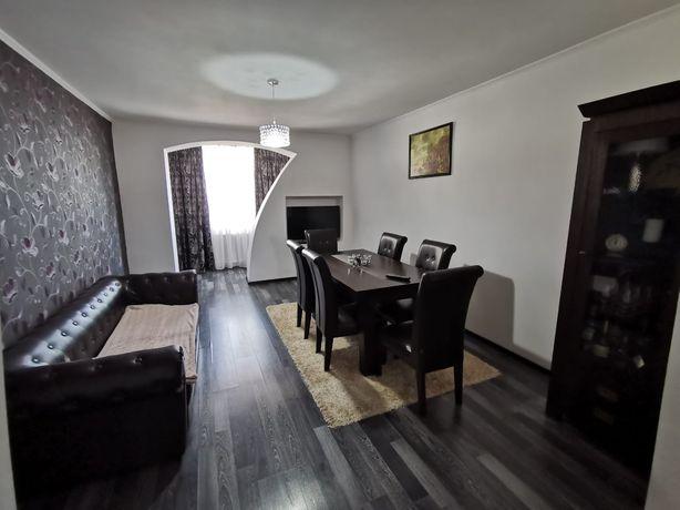 Vând apartament cu 3 camere