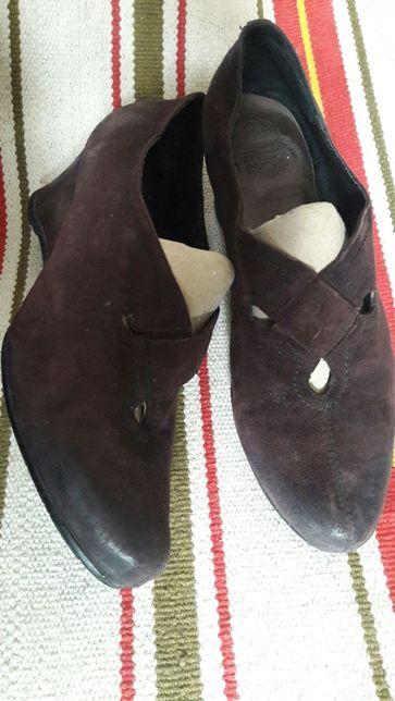 Продам замшевые туфли. Chester. Англия
