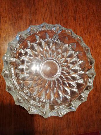 Scrumieră vintage din cristal anii '70 dimensiune 18 cm.